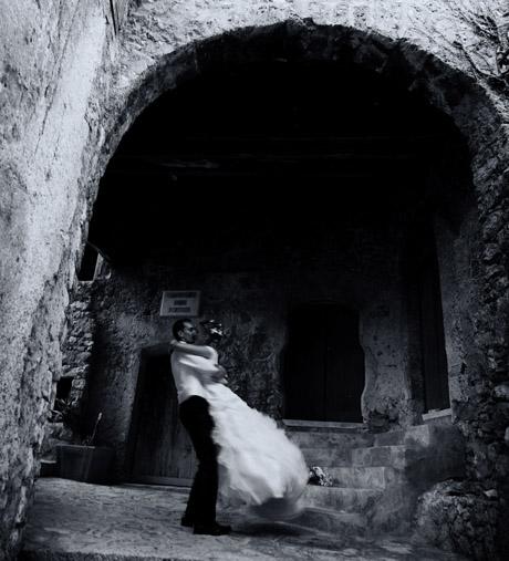 Photographie de mariages au vieux village de Carros