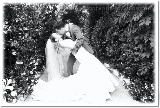 les maries sous la tonnell mariage royal riviera saint jean cap ferrat photographe de mariage. Black Bedroom Furniture Sets. Home Design Ideas
